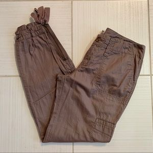 🆕🦋 Anthro Hei Hei Taupe Cargo Ankle Zipper Pants